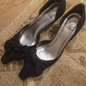 Stuart Weitzman bow black heels